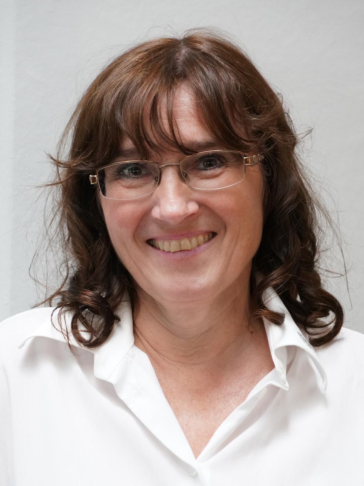 Christine Leonhard